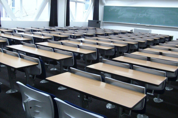 Virenschutzfolie Anwendung Schulklasse